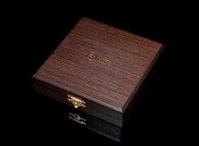 Упаковка из дерева венге